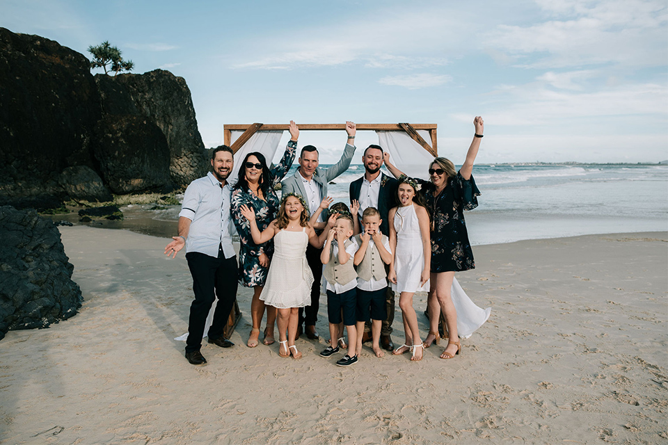 Hitched In Paradise - Tweed Coast Elopements - Love WIns