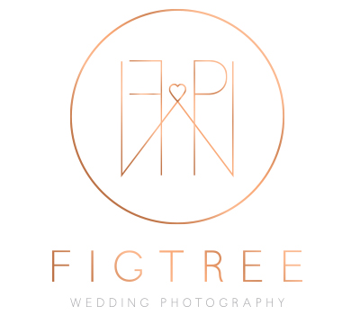 Photographers - Benjamin Carlyle Celebrant Wedding Friends - Figtree Pictures