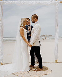 Gold Coast Weddings Celebrant Reviews Ben Carlyle