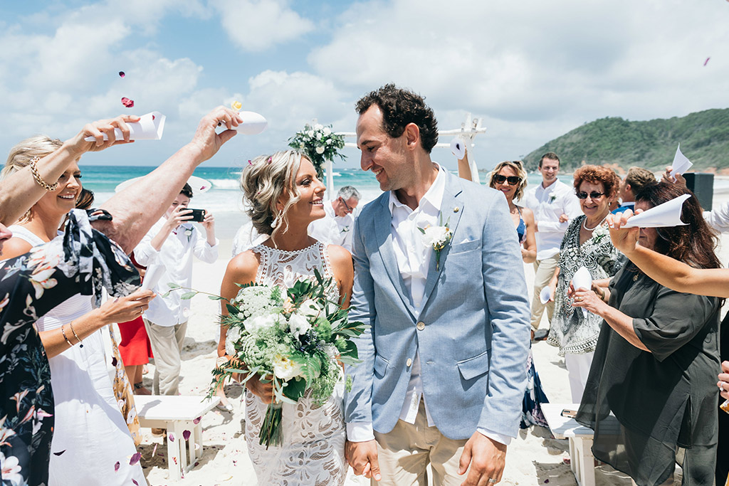 Andre & Sarah - Broken Head Beach Wedding